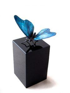 beeldje vlinder gepatineerd blauw